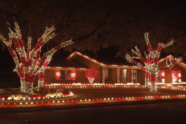 Christmas Lighting Trends for 2017